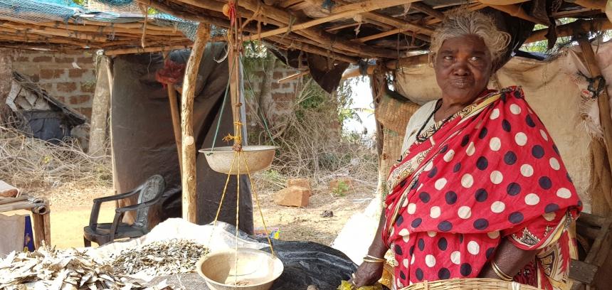 Securing Land Rights & Livelihoods 9